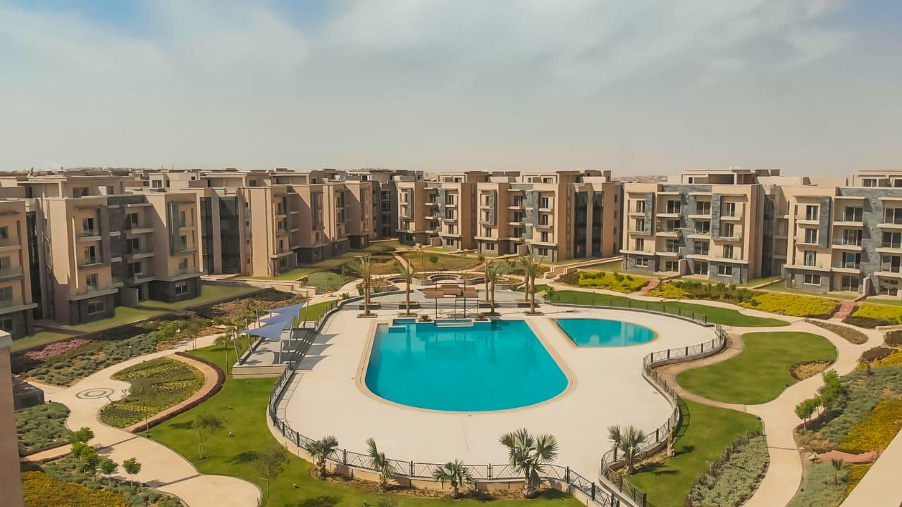 شقة استلام فوري في المربع الذهبي بالقاهرة الجديدة بقسط على 6 سنوات